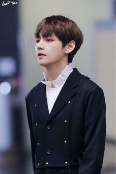 BTS 방탄소년단 | 김태형 Kim TaeHyung V 뷔