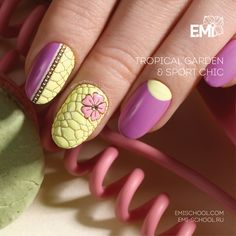 E.MiLac Ice Lemon #085 and Passion Flower #092, add the Nailcrust Pattern Sliders Reptile and EMPASTA Ice Lemon, Charmicon Stickers Jewelry #5, Chain #1, EMPASTA Streetstyle  The new Nailcrust Pattern Sliders Reptile are available for sale by following this link http://emischool.com/catalog/#nailcrust and at our representative offices in your country!