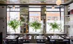From a 1920's butchers to a deli and then one of Paris' most mondaine restaurant-dives in the 80s, the Anahi has led an interesting life. Sold in 2014 by then owners, Carmina and Pilar Lebero, it enjoyed an brief but unsuccessful stint as the opening s...