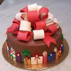 Cake wrapping