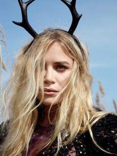 Mary-Kate Olsen | Antler Headband #style #fashion #olsentwins
