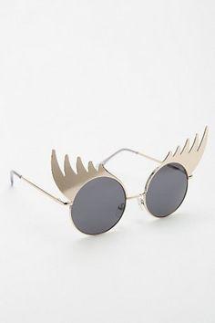 Lash Out Round Sunglasses//