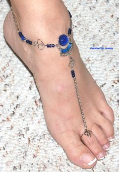 You will receive 10 handmade glass bead anklets with toe rings in various designs and colors. You have to see one of these creations in person to truly appreciate its beauty and complexity. 10 Glass Anklets With Toe Ring. Silver Toe Rings, Silver Anklets, Beaded Anklets, Slave Bracelet, Golden Jewelry, Bare Foot Sandals, Ankle Bracelets, Body Jewelry, Feet Jewelry