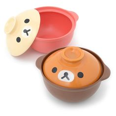 Everybody loves to relax with a one pot dish every now and then - it's the comforting taste of home but now you can add even more depths to your relaxation with these adorable Rilakkuma clay pots! Two versions are available: a brown version with Rilakkuma's adorable face on the lid or a Korilakkuma version with a pink bottom and a white lid with Korilakkuma's face on it. These cute cooking pots ar...
