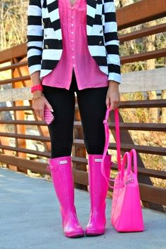 Black, white, and pink outfit pink Hunter boots Pink Hunter Boots, Pink Rain Boots, Hunter Wellies, Snow Boots, Outfit Ideas, Looks Style, My Style, Black Style, Inspired Outfits