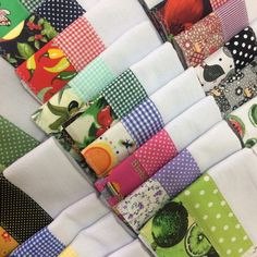 KIT 10 -Panos de Prato Diferente Barrados Duplo no Hand Towels, Tea Towels, Edible Arrangements, Sewing Table, Kitchen Towels, Table Linens, Make And Sell, Pot Holders, Gift Wrapping