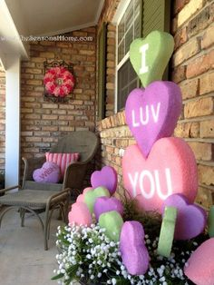 A lot of ideas for Valentine's Day ~ using styrofoam and paint. I will be making… A lot of ideas for Valentine's Day ~ using styrofoam and paint. I will be making some hearts to hang in my trees & windows, if I have enough styrofoam. My Funny Valentine, Valentine Day Love, Valentine Day Crafts, Holiday Crafts, Valentine Ideas, Valentine Makeup, Saint Valentine, Valentines Puns, Valentines Sweets