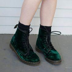 Vintage 90s Green Velvet Dr. Martens - Size 8
