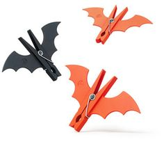 Pinzas murciélagos http://www.deltaschnauzer.com/pics/blog/batman-clothespins.jpg