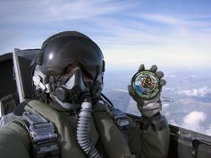 Piloto de Combate...orgulloso de su escuadrón!