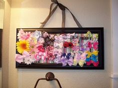 Hair bow holder using a frame and chicken wire