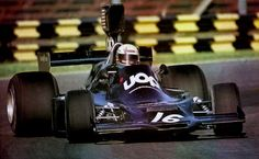 Peter Revson, Interlagos Shadow UOP Shadow Racing - Can Am and Formula One. One of the coolest teams of my youth. Peter Revson, Shadow F, Brazilian Grand Prix, Classic Race Cars, Formula 1 Car, F1 Racing, Car And Driver, F 1, Le Mans