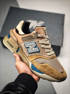 New banance Kith x United Arrows and Sons New Balance Outfit, New Balance Sneakers, New Balance Shoes, Kicks Shoes, Men's Shoes, Shoe Boots, Shoes Sneakers, Buy Shoes, Adidas Sneakers