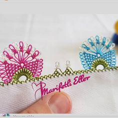 @marifetlieller42 #evimiseviyorum #sunum #elemeği #göznuru #ceyizlik #havlu #mutfakhavlusu #namazörtüsü #tülbent #igneoyasi #örgüm #alinti… Needle Lace, Needle And Thread, Burn Tattoo, Viking Tattoo Design, Sunflower Tattoo Design, Homemade Beauty Products, Bargello, Foot Tattoos, Filet Crochet