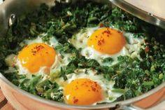Ispanak ve yumurta,az kırmızı biber