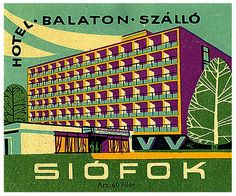 Art of the Luggage Label – Vintage Luggage Labels Siofok, Hungary Old Luggage, Vintage Luggage, Vintage Travel Posters, Vintage Suitcases, Luggage Stickers, Luggage Labels, Budapest, Vintage Hotels, Vintage Market