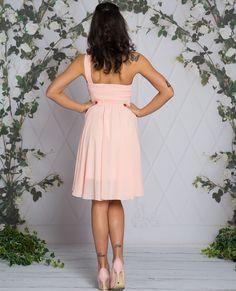 FABIA - Zwiewna midi sukienka na jedno ramie różowa Talia, Graduation, Dresses, Fashion, Fashion Styles, Moving On, Dress, Fashion Illustrations, Graduation Day