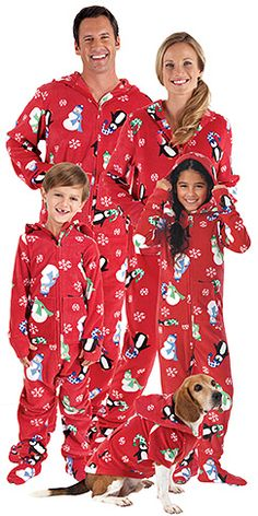 Christmas pjs... This will so be Daniel and I when we have our family. Lol