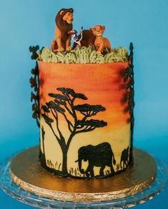 Lion King buttercream cake Amy Droubay neuroticmom (@neuroticmom) Jungle Birthday Cakes, Lion King Birthday, Safari Birthday Party, 5th Birthday, Birthday Ideas, Lion Cakes, Lion King Cakes, Simba Rey Leon, Lion King Party
