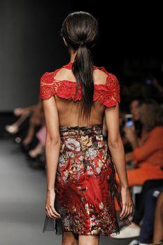 Lima Fashion Week | Angie Schlegel en LIFWeek OI'15 Runway #Lima #fashion #moda #women #runway #desfile #Kuna #lifweek #LIFWeekOI15 #limafashionweek #FatimaArrieta | LIFweek OI'15