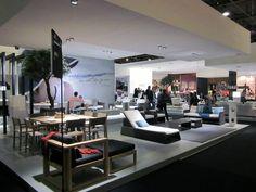 Manutti lance en septembre 2013 sur le salon Maison&Objet sa nouvelle collection AIR, un sofa d'extérieur modulable constitué de 5 parties qui permet de passer d'une chaise longue à un salon d'angle 5 places en un clin d'œil. Hall 5B / Stand L29 et Stand L37 – M38 – à Salon Maison&Object, Parc des Expositions Villepinte.