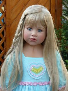 Old Lee Middleton Dolls | Jordan Blonde| Jordan Blonde by Lee Middleton We have this doll, it looks like Adriana when she was little.