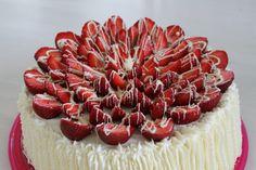 Kuvahaun tulos haulle naked cake mansikka kerma