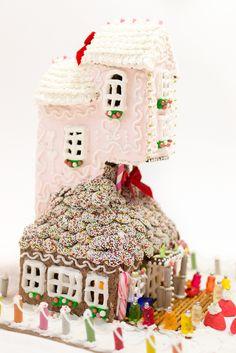 Frau Zuckerfee: Amazing gingerbreadhouse pink, Lebkuchenhaus