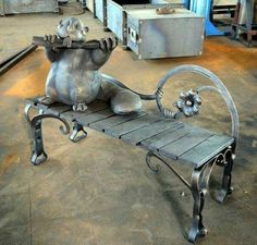 Metal Furniture, Unique Furniture, Wrought Iron Chairs, Iron Balcony, Metal Art Projects, Bizarre, Rustic Art, Iron Art, Welding Art