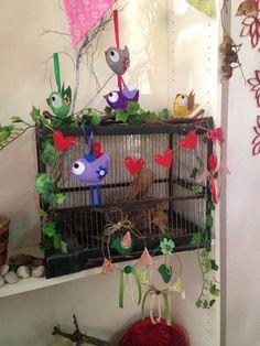 Pájaros en fierros