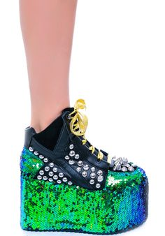 Dear god. Please give me long skinny legs so I can wear these. kthanks.