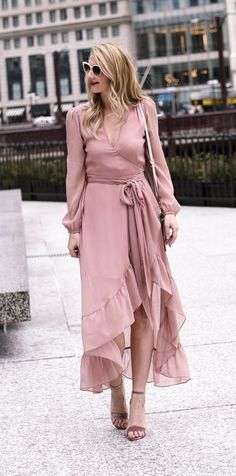 Blush midi dress with ruffle hem! - Tap the link to see the newly released collections for amazing beach bikinis 15 Dresses, Women's Fashion Dresses, Pretty Dresses, Wrap Dresses, Skirt Fashion, Wrap Dress Outfit, Dress Outfits, Swag Dress, Dress Skirt
