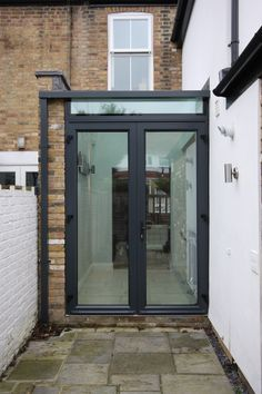 aluminium casement doors to side return extension    www.iqglassuk.com