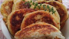 Συνταγή για πεντανόστιμα πατατοπιτάκια με φέτα!   ediva.gr Feta, Sausage, Pork, Kale Stir Fry, Pigs, Sausages