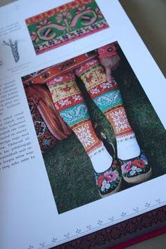 Meite Muhu Mustird Knitting Socks, Knit Socks, Island Design, Knitting Patterns, Projects To Try, Muji, Album, Knits, Charts