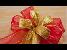How to make a large triple bows in professional way. You'll need: 3 different ribbons (Using wider ribbons for the bottom bows is recommended), Pipe Cleaner and Scissors. Christmas Bows, Christmas Holidays, Christmas Decorations, Christmas Ornaments, Holiday Crafts, Holiday Fun, Bow Tutorial, Gift Bows, Diy Bow