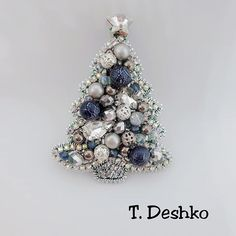 Beaded Jewelry Designs, Handmade Beaded Jewelry, Brooches Handmade, Seed Bead Jewelry, Bead Jewellery, Handmade Art, Bead Embroidery Jewelry, Beaded Embroidery, Beaded Brooch