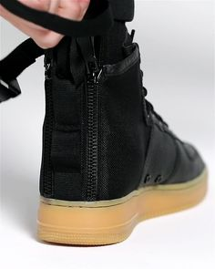 cd676d11aa Find the Nike SF Air Force 1 Mid Men's Shoe at Nike.com. Enjoy
