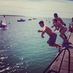 Pier jumping with the family
