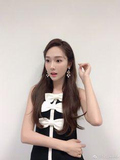 Jessica Jung updates with more of her lovely photos from Singapore Kim Hyoyeon, Seohyun, Snsd, Japanese Fashion, Asian Fashion, Jessie, Korean Girl, Asian Girl, Korean Idols