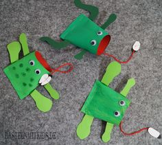 Make frog easy and fast – crafts with children - DIY Crafts for Kids Crafts For Teens To Make, Diy For Teens, Diy For Kids, Diy And Crafts, Arts And Crafts, Fly Craft, Kindergarten Crafts, Kids Wood, Household Items