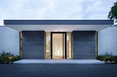 Image 5 of 28 from gallery of Preston Hollow Residence / Bodron+Fruit. Photograph by Scott Frances