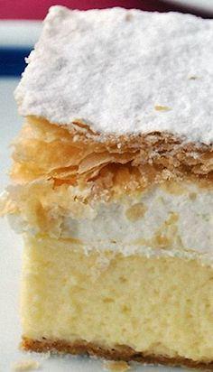 Kremna Rezina (Vanilla Custard Cream Cake) There shoudnt be lemon in it Custard Cream Cake, Vanilla Custard, Just Desserts, Delicious Desserts, Yummy Food, Cupcakes, Cupcake Cakes, Sweet Recipes, Cake Recipes