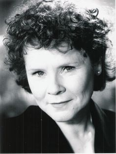 Imelda Staunton wins Best Performance by an Actress in a Motion Picture - Drama for Vera Drake