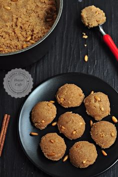 Semolina halva with milk Semolina halva with milk Gourmet Recipes, Sweet Recipes, Snack Recipes, Dessert Recipes, Snacks, Halvah Recipe, Delicious Desserts, Yummy Food, Arabic Food