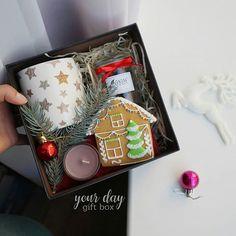 Делать приятные сюрпризы 🎁💎 можно и без повода! 😉 А вы знали об этом? 😂 А мы приготовили ещё несколько вариантов боксов, и это один из… Diy Gifts, Great Gifts, Lunch Box, Christmas Gifts, Wraps, Presents, Gift Wrapping, Gift Ideas, Style