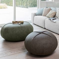 Find out all of the information about the Dall'Agnese Industria Mobili product: contemporary pouf / leather / round / gray POINT. Contact a supplier or the parent company directly to get a quote or to find out a price or your closest point of sale. My Furniture, Furniture Design, Furniture Storage, Glazed Walls, Leather Pouf, Higher Design, Ottoman Bench, Design Moderne, Interior Exterior
