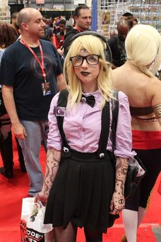 Cecil from Welcome To Night Vale | 26 Of The Best Genderswapped Cosplayers From New York Comic Con #camiseta #cosplayer 2#camisetagratis #cosplay #friki #regalos #ofertas #ropaoferta