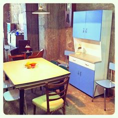 1950's Vintage Formica Kitchen - Look at those colors!
