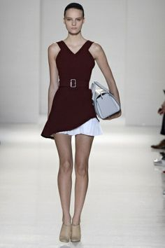 Victoria Beckham New York Fashion Week S/S 2014 Runway: like the skirt, with the contrasting fabrics